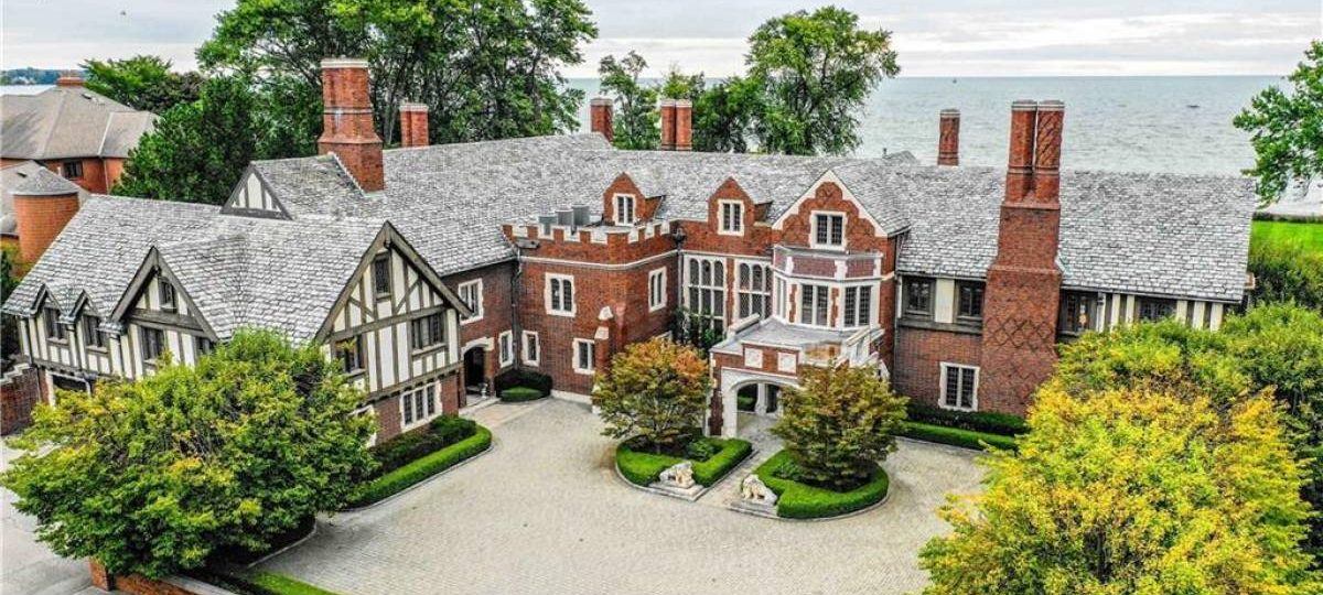 Grosse Pointe Home Photo